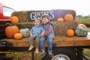 TRIP TO THE PUMPKIN PATCH + FRESHLY PICKED GIVEAWAY!