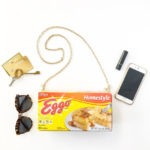DIY HALLOWEEN - ELEVEN'S EGGO WAFFLE PURSE, STRANGER THINGS